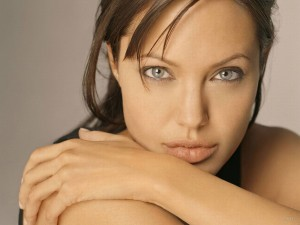 Beauty-Angelina-Jolie-