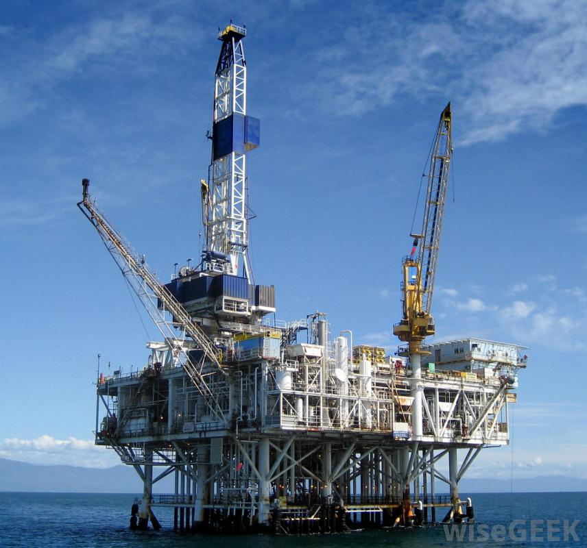 oil-rig-in-sea